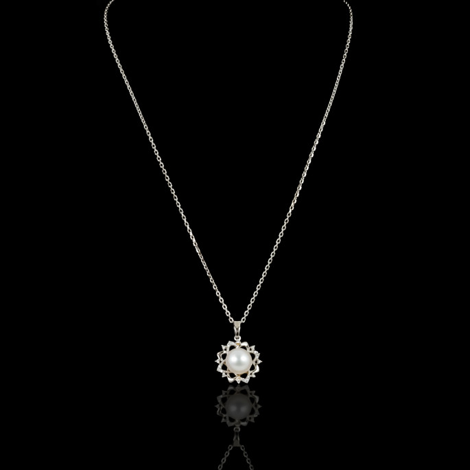 Fleur de Neige Necklace | Fresh Water Pearl | 18K Gold