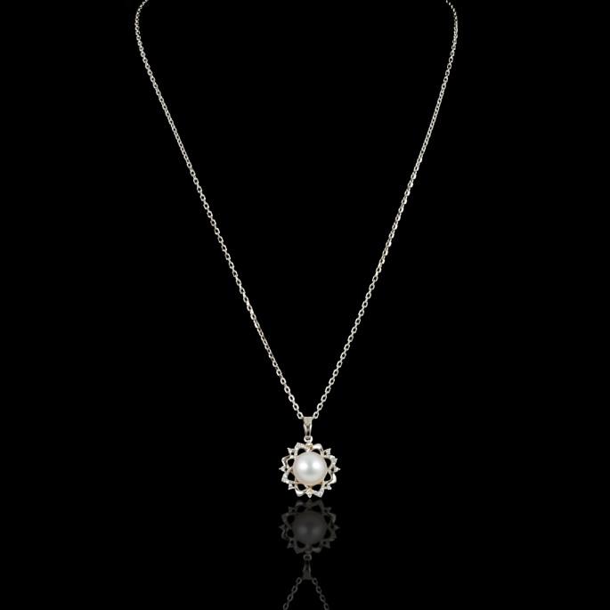 Fleur de Neige Necklace | Fresh Water Pearl | 18K Gold