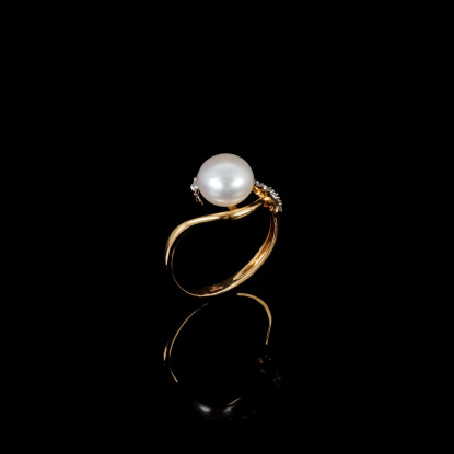 La Flame Ring | Fresh Water Pearls | 18K Gold
