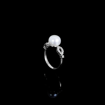 Déchirer Ring| Fresh Water Pearls | 18K White Gold