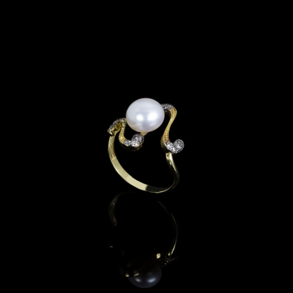 Nuit Noir Ring | Fresh Water Pearl | 18K Gold