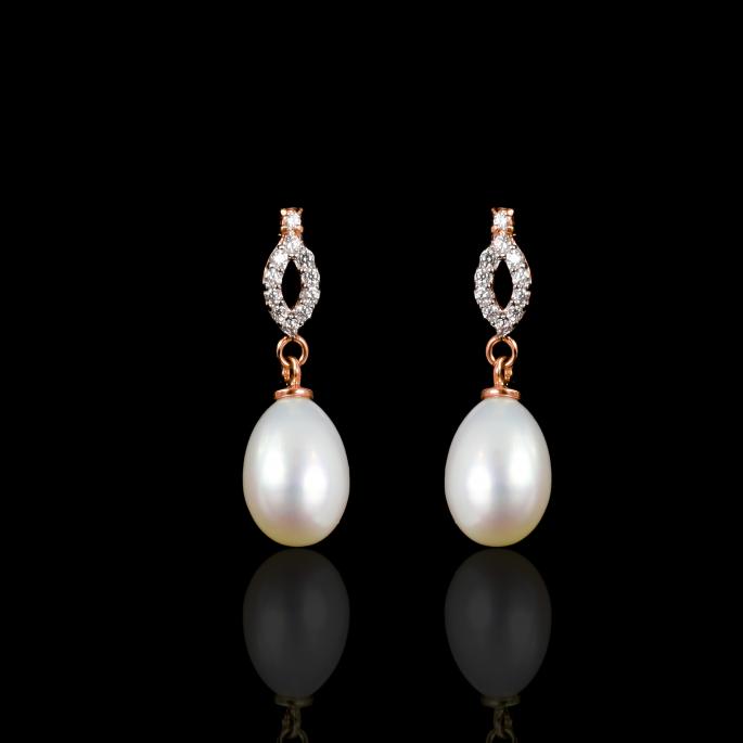 Déchirer Earring   Fresh Water Pearl   18K Gold