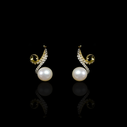 Infini Earrings | Fresh Water Pearl | 18K Gold