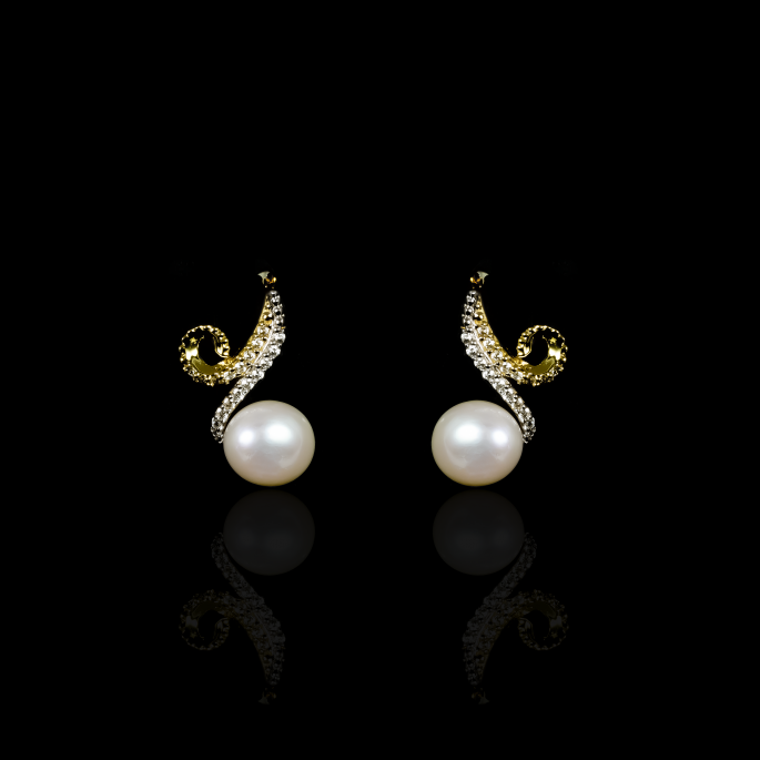 Infini Earrings | Fresh Water Pearl | 18K Gold