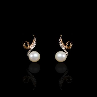 Infini Earrings | Fresh Water Pearl | 18K Rose Gold
