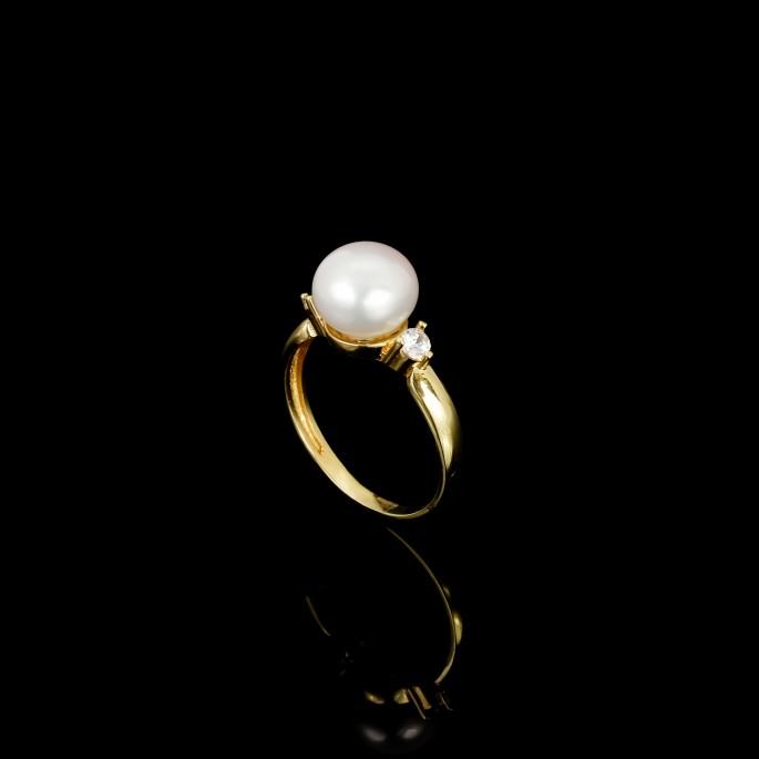 Cadeau Ring   Fresh Water Pearl   18K Gold